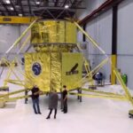 Blue Origin shows off an on-the-ground pathfinder version of its cargo lunar lander